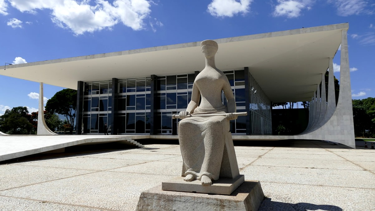 supremo tribunal federal corda pensoes a ex governadores do parana