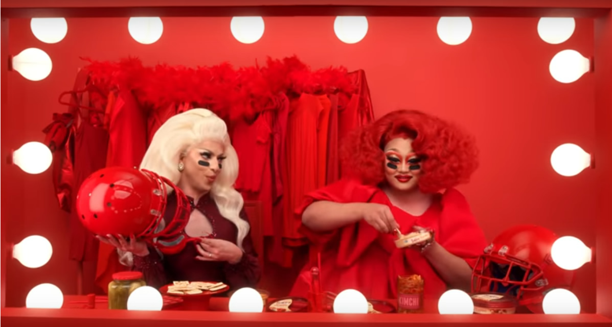 drag queens comercial super bowl
